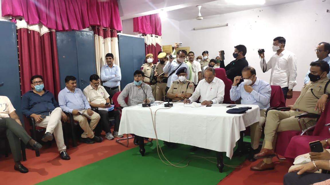 किसानों और प्रशासन में हुआ समझौता, 27 अक्टूबर के बाद तीन में से एक ग्रुप नहरचलाने पर बनी सहमति, किसानों ने हटाया महापड़ाव|श्रीगंंगानगर,Sriganganagar - Dainik Bhaskar