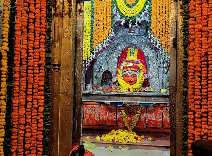 दो हजार साल पुराने मंदिर में आज होगी घटस्थापना, यहां के 1101 दीपों का स्तंभ देखने देशभर से आते हैं श्रद्धालु|उज्जैन,Ujjain - Dainik Bhaskar