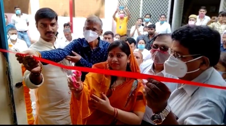 जिला महिला चिकित्सालय के एमसीएच विंग को मिला 1000 लीटर प्रति मिनट क्षमता का ऑक्सीजन प्लांट, जिपं अध्यक्ष रोली सिंह व डीएम ने किया लोकार्पण|अयोध्या,Ayodhya - Dainik Bhaskar