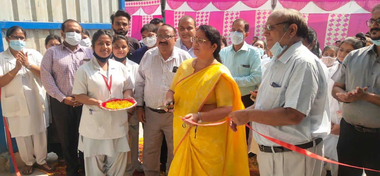 मेडिकल अस्पताल में ऑक्सीजन प्लांट का शुभारंभ करती राज्यसभा सदस्य कांता कर्दम