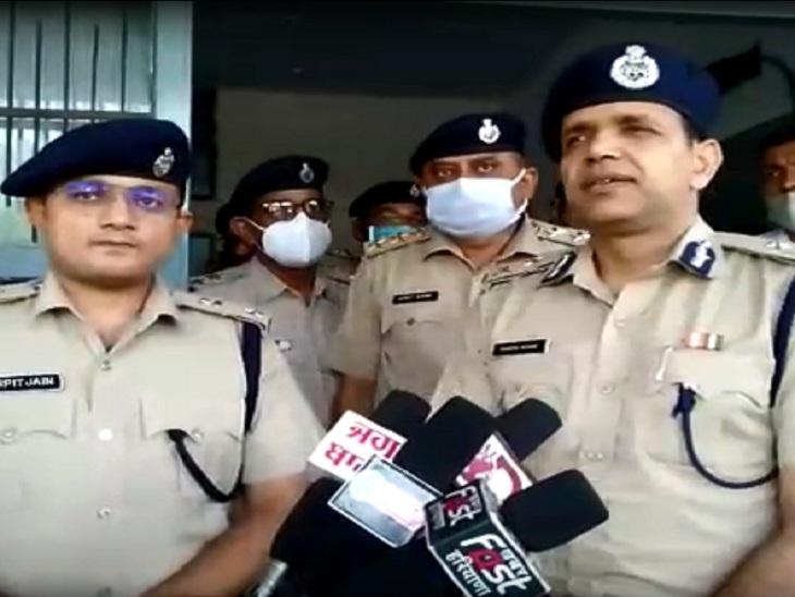 राजस्थान से लगी सीमाओं का दौरा करने के बाद सुरक्षा संबंधी तैयारियों की जानकारी देते आईजी राकेश आर्य। - Dainik Bhaskar