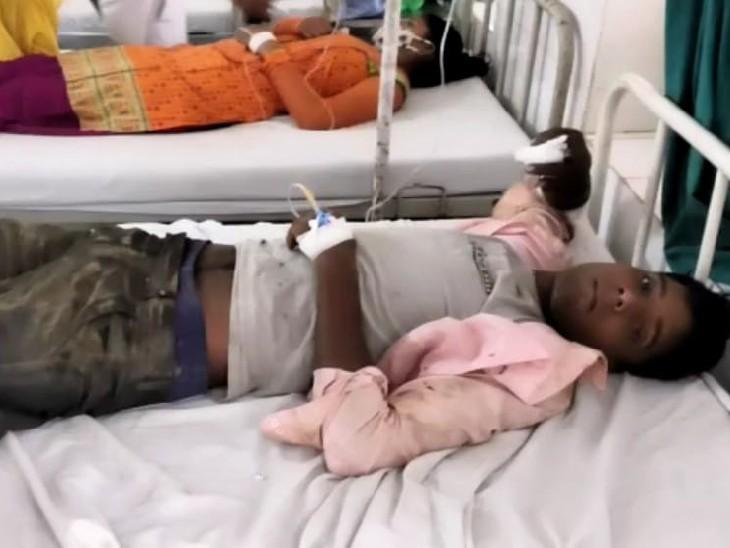 झगड़े में घायल हुआ युवक। - Dainik Bhaskar