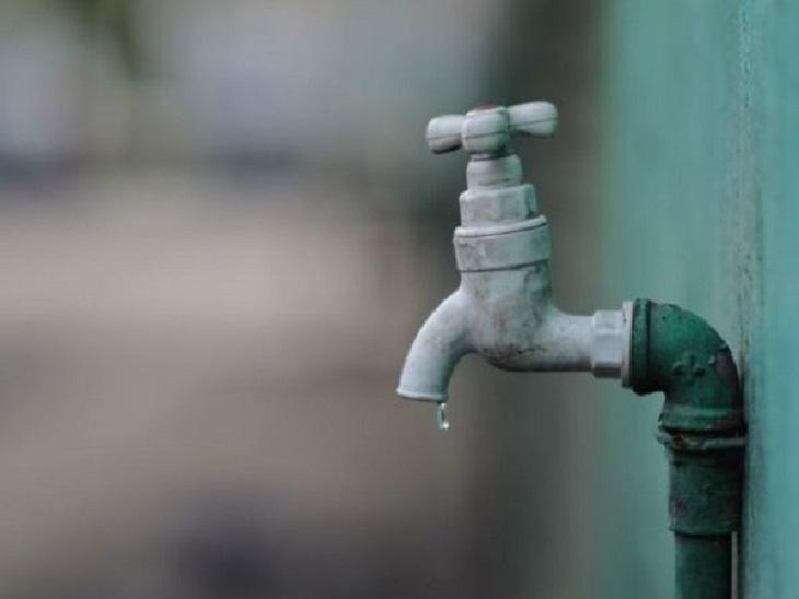 नलों में पीने के पानी की समस्या सुबह 8.30 बजे से शाम 5.30 बजे तक रहेगी।- प्रतीकात्मक इमेज - Dainik Bhaskar