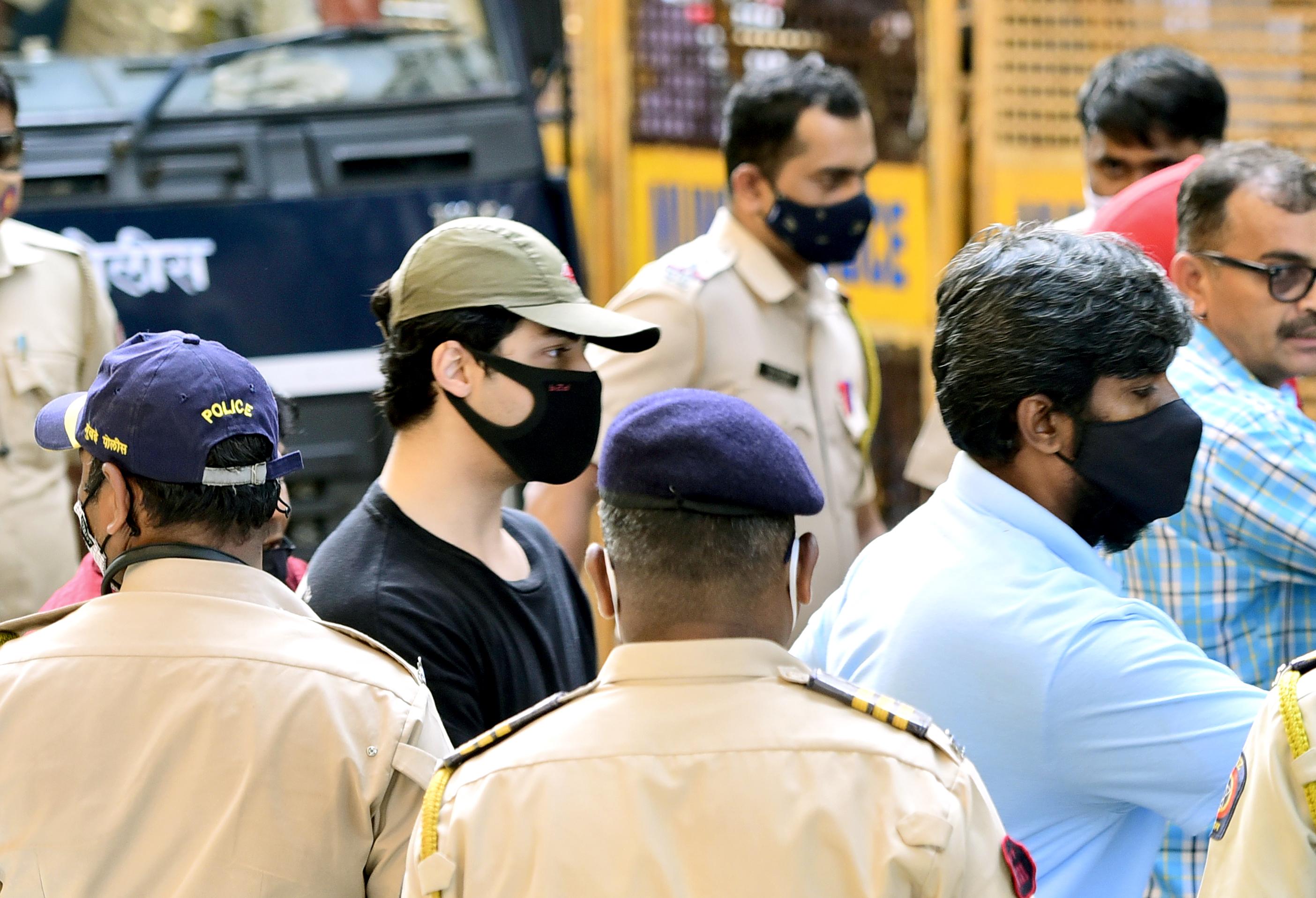 आर्यन को मिलेगी बेल या फिर जाएंगे जेल पर फैसला आज, अदालत में वकील ने दायर की जमानत की दो अर्जी महाराष्ट्र,Maharashtra - Dainik Bhaskar