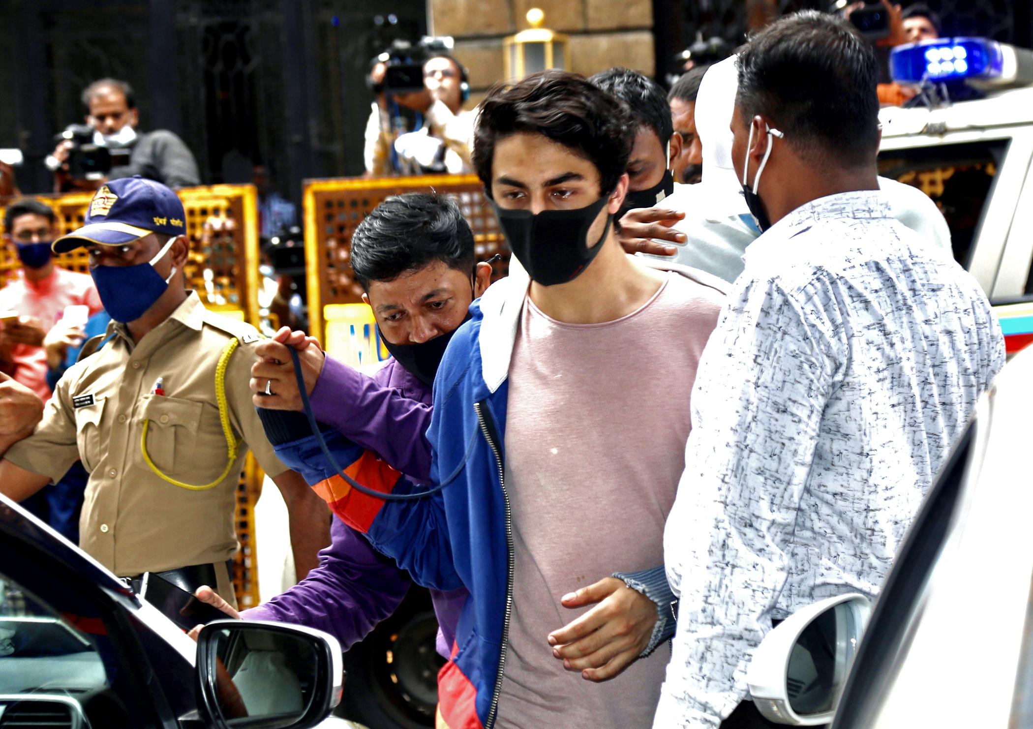 आर्यन को हर दिन मेडिकल के लिए मुंबई के जेजे हॉस्पिटल ले जाया जाता था।