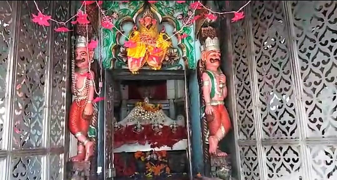 तपेश्वरी देवी मंदिर का गर्भ गृह।
