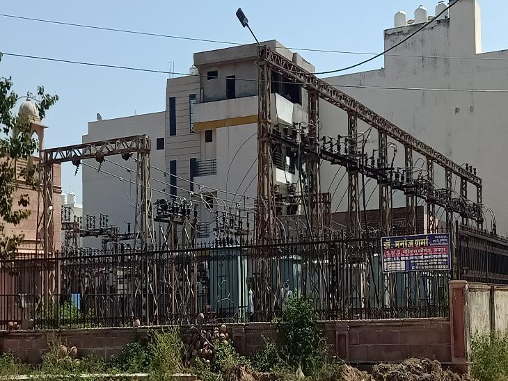 जिला मुख्यालयों, सभी नगर पालिकाओं में दिन में 1 घंटे और गांवों में 3-4 घंटे की कटौती|राजस्थान,Rajasthan - Dainik Bhaskar