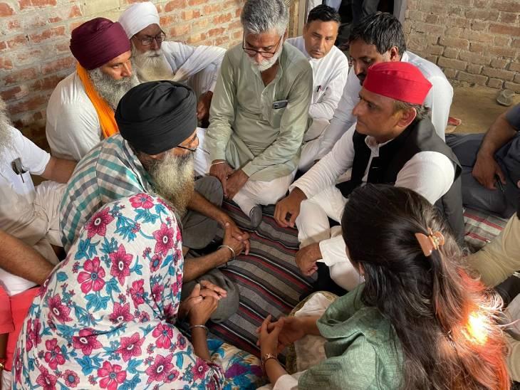 अखिलेश यादव ने गुरुवार को लखीमपुर में पीड़ित परिजनों से मुलाकात की थी।