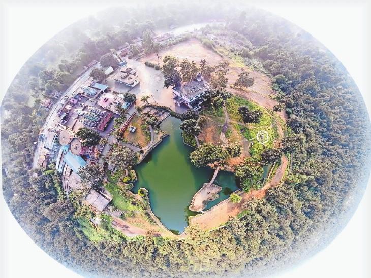 200 फीट की ऊंचाई से पहली बार देखिए बंजारीधाम में भारत के नक्शे जैसा कुंड|रायगढ़,Raigarh - Dainik Bhaskar