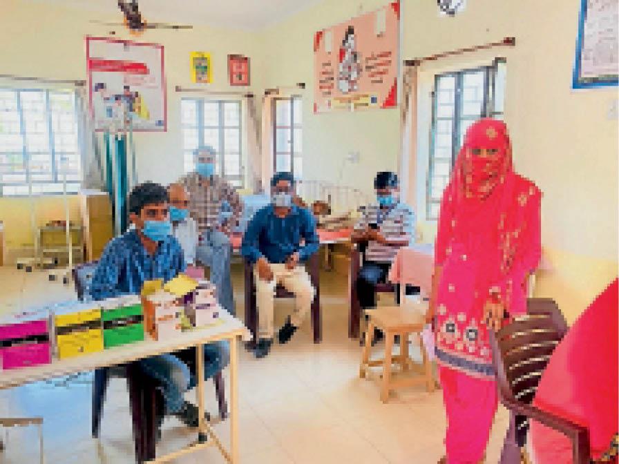 निशुल्क नेत्र परामर्श शिविर में 176 रोगियों की जांच कर किया लाभान्वित|जसवंतगढ़,Jaswantgarh - Dainik Bhaskar