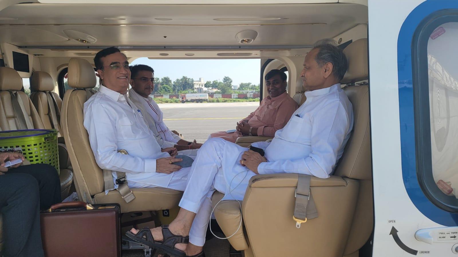 गहलोत-पायलट, माकन और डोटासरा एक हेलिकॉटर से रवाना, एकजुटता दिखाने वाला फोटो शेयर किया; 8 दिन में 7 बार बढ़ी पेट्रोल-डीजल की कीमत|राजस्थान,Rajasthan - Dainik Bhaskar