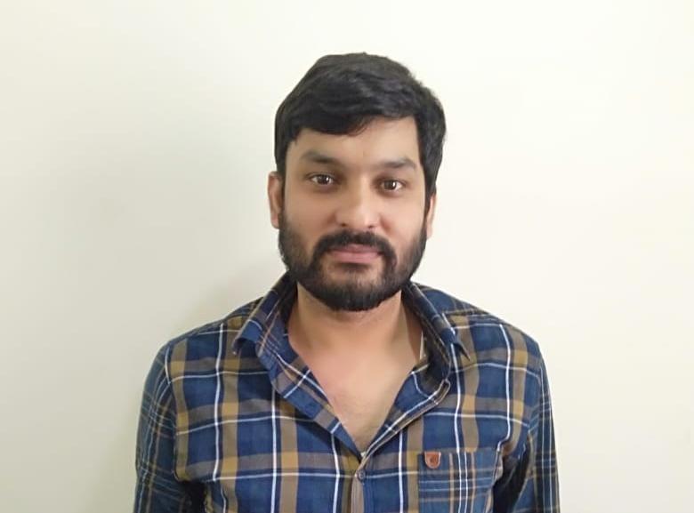 एसटीएफ द्वारा पकड़ा गया नवीन - Dainik Bhaskar