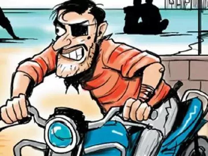 जिले से चोरी की गई बाइक को नेपाल में खपा रहे शातिर, महज 10 से 15 हजार रुपये में बेच रहे चोरी की बाइक मुजफ्फरपुर,Muzaffarpur - Dainik Bhaskar