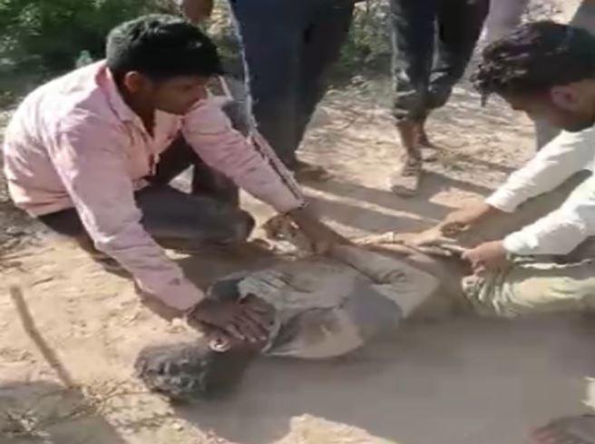 हनुमानगढ़ में 6 लोगों ने युवक को लाठी से इतना पीटा कि वह मर गया, शव उसके घर के सामने फेंक गए; जोधपुर में एक साल की मासूम जिंदा जली|राजस्थान,Rajasthan - Dainik Bhaskar