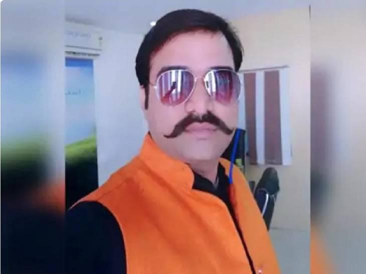 बाराबंकी में घर है आरोपी दरोगा अक्षय मिश्रा का, देर रात SIT की टीम ने छापा मारकर पकड़ा; पुलिस कर रही इंकार बाराबंकी,Barabanki - Dainik Bhaskar
