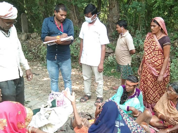 श्रद्धालुओं को लेकर अष्टभुजा मंदिर जा रही ट्रैक्टर-ट्रॉली पलटी, एक दर्जन घायल|मिर्जापुर,Mirzapur - Dainik Bhaskar