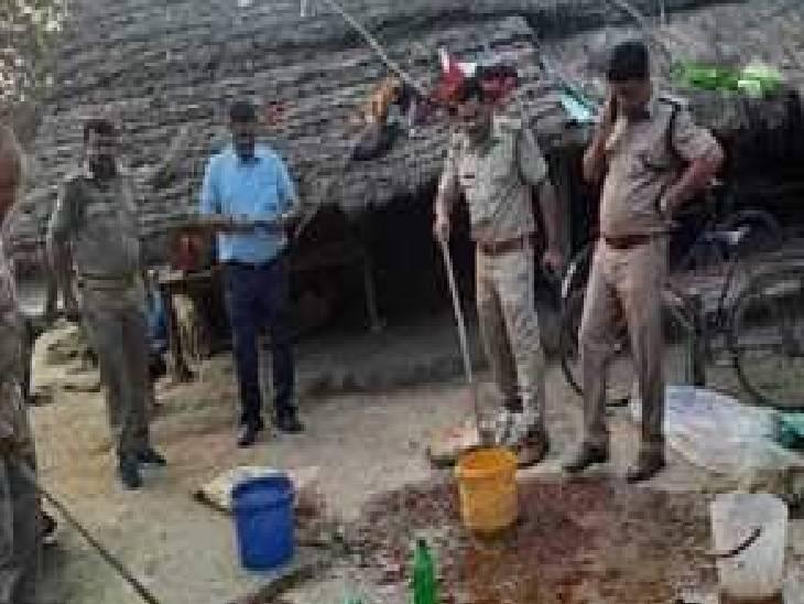 जंगल किनारे बसे गांवों तेजी से बढ़ रहा अवैध शराब का कारोबार, दो पर मुकदमा दर्ज|महराजगंज,Maharajganj - Dainik Bhaskar