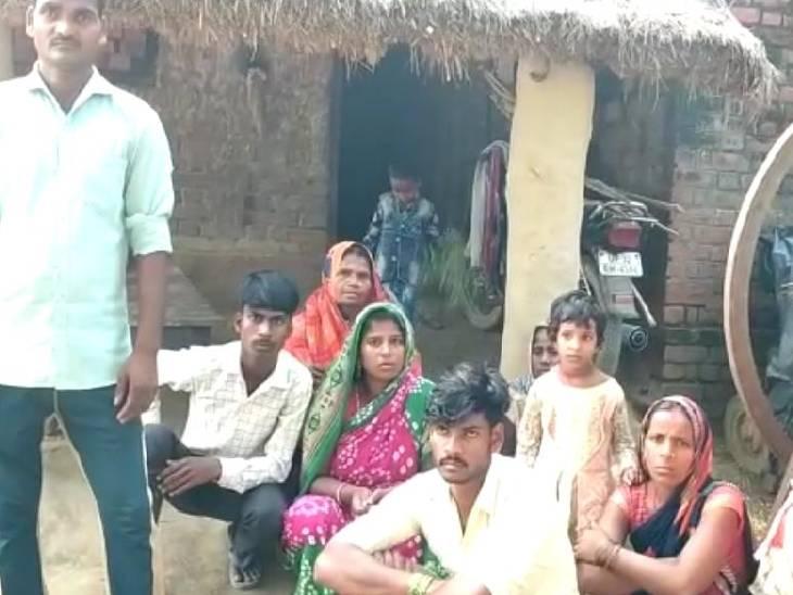 घर के बाहर लेटी थी महिला, पुरानी रंजिश में दबंग ने मार दी गोली; गंभीर हालत में लखनऊ रेफर सीतापुर,Sitapur - Dainik Bhaskar