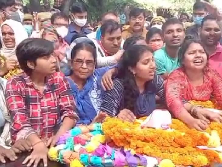 दो महीने पहले लेह लद्दाख में स्पेशल ड्यूटी पर गए थे राजेश, तीन दिन पहले आतंकियों से मुठभेड़ में हुए शहीद|फतेहपुर,Fatehpur - Dainik Bhaskar