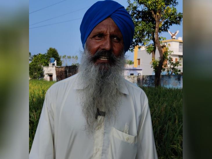 सुरेंद्र पाल सिंह कहते हैं कि हमारा मकान बड़ा है, लेकिन यह खेती की कमाई से नहीं बना है। दो बेटे विदेश में रहते हैं, उन्हीं की कमाई से यह बना है।