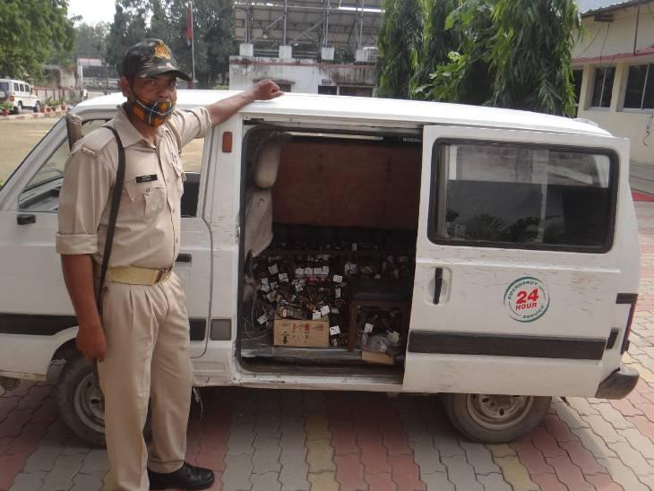 बड़ी मात्रा में शराब की खेप ले जा रहे थे बिहार, 4 गुने दामों में करते थे बिक्री|चंदौली,Chandauli - Dainik Bhaskar