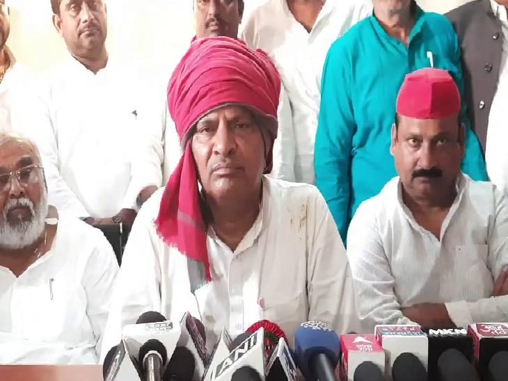 कहा- अखिलेश यादव कर रहे हैं किसानों का उत्तपीड़न, अजय मंत्री की जगह मांगने लगे उनके बेटे का इस्तीफा जालौन,Jalaun - Dainik Bhaskar