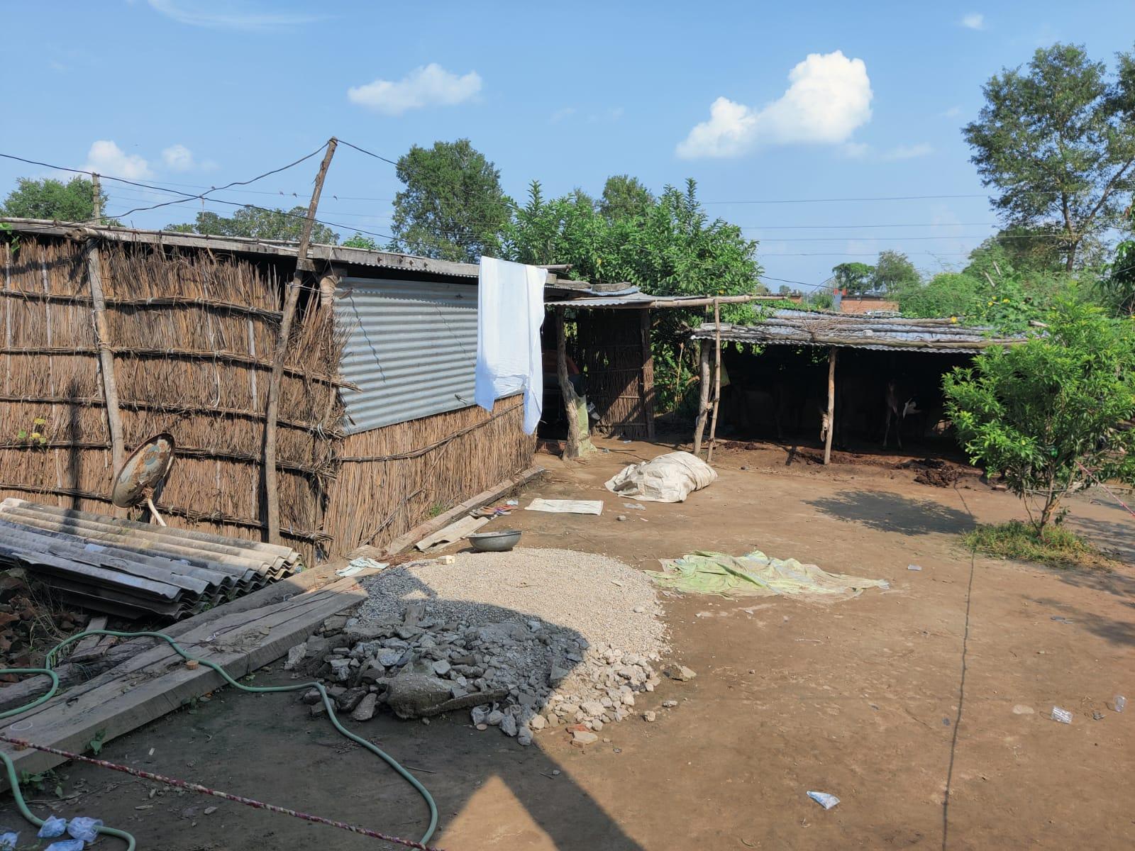 किसानों की हालत तो यहां खराब है ही, लेकिन उससे भी बुरा हाल यहां के मजदूरों का है। उनके पास न ढंग का काम है, ना आमदनी है, ना मकान है।