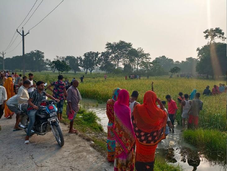 पोखर से मिली लाश, दूसरी अबतक लापता, पानी में जाल डालकर शव की खोजबीन जारी मुजफ्फरपुर,Muzaffarpur - Dainik Bhaskar