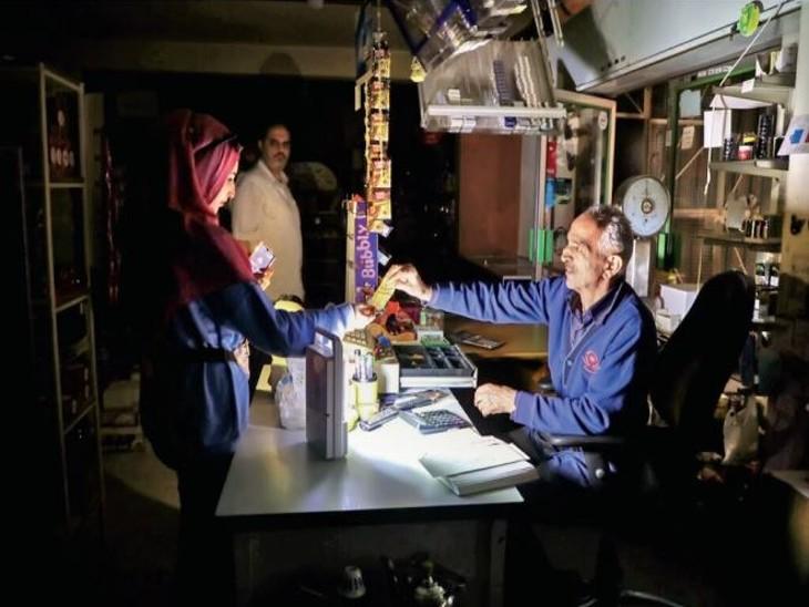 यूरोप में बिजली 250%, गैस 400% महंगी हुई; दुनिया के कई देशों में हालात बिगड़ रहे|विदेश,International - Dainik Bhaskar