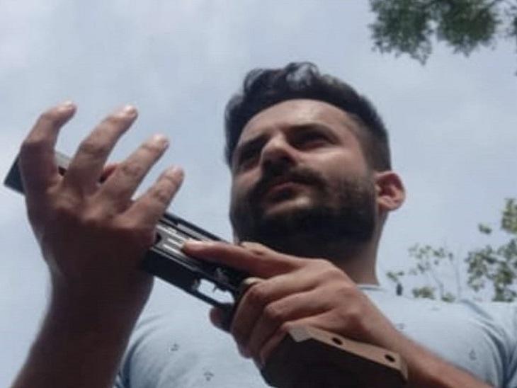 जिस गन से प्रेक्टिस करता था उसी से मारी खुद को गोली, प्रतियोगिता में सिलेक्शन न होने से निराश होकर उठाया कदम|अमृतसर,Amritsar - Dainik Bhaskar