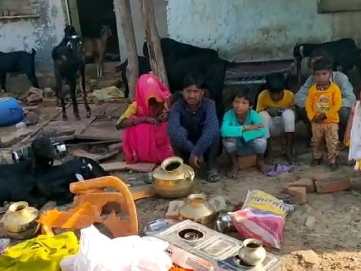 परिजनों ने युवक के घर में की तोड़फोड़, दुकान में लगाई आग; 6 गिरफ्तार|ललितपुर,Lalitpur - Dainik Bhaskar