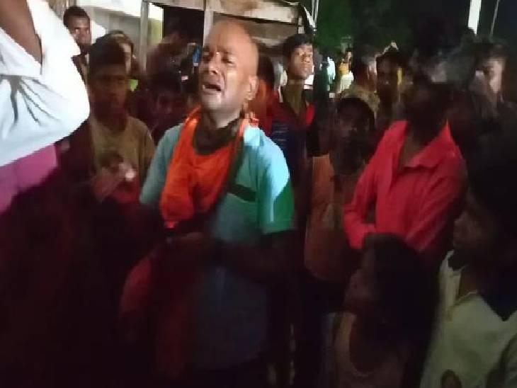गांव में होता है 10 दिवसीय रामलीला का मंचन, बदमाशों ने बेवजह मार-मारकर फोड़ दिया युवक का सिर|श्रावस्ती,Shrawasti - Dainik Bhaskar
