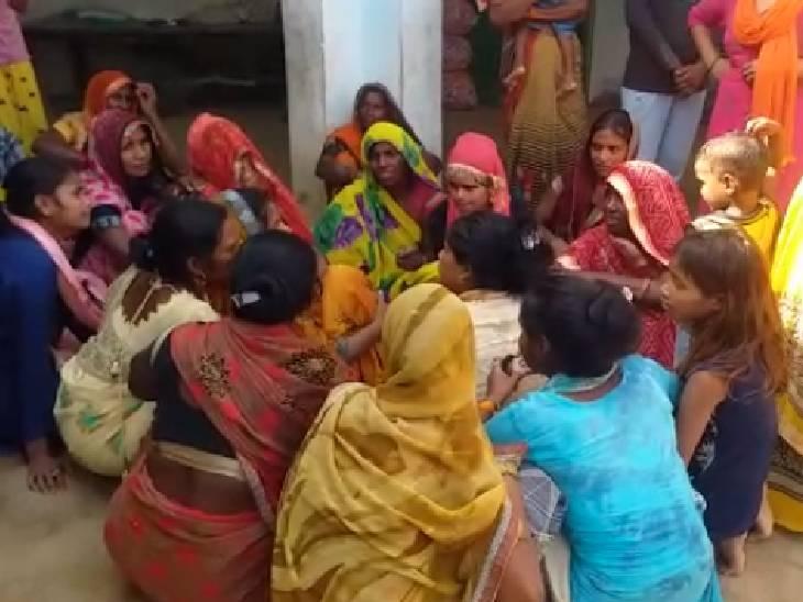 बिजली के पोल के पास खेलते समय बच्चों को लगा करंट, किशोरी की मौत|मैनपुरी,Mainpuri - Dainik Bhaskar