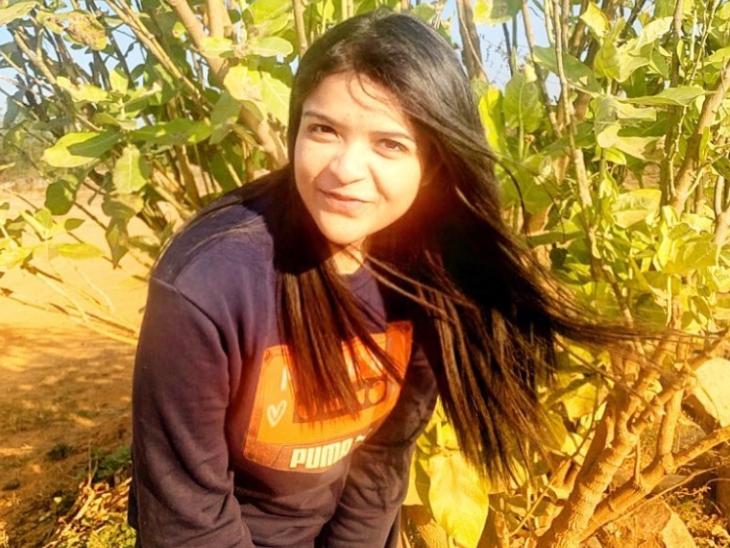 27 साल की शायंतनी ने NIFT दिल्ली से पढ़ाई की है। मार्केटिंग और कम्युनिकेशन में उनका भी अच्छा-खासा अनुभव रहा है।