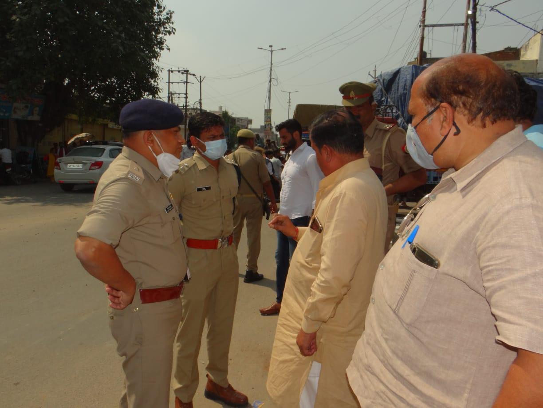 मेरठ में पुलिस चौकी के पास की वारदात, बाइक सवार दो बदमाशों ने की लूट, सीसी टीवी फुटेज के आधार पर तलाश में जुटी पुलिस मेरठ,Meerut - Dainik Bhaskar