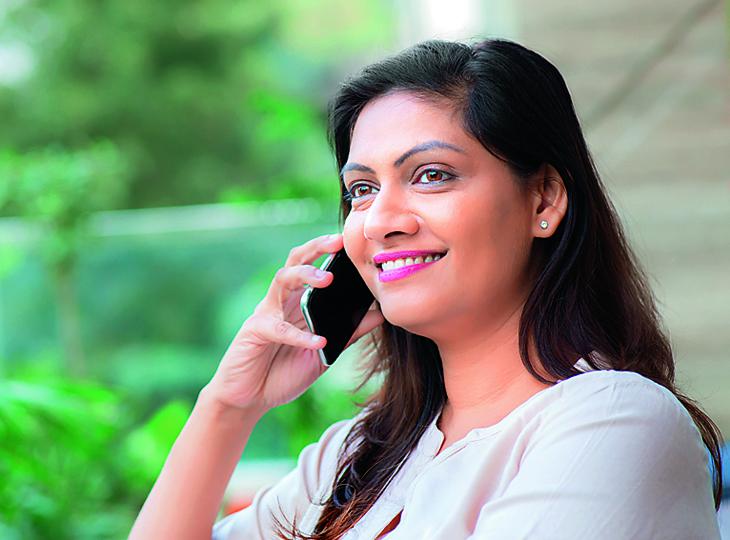 महिलाओं को अपनी निजी जिंदगी के फैसले लेने का अधिकार है, तो फिर इनका हर कदम क्यों नज़र में रहता है? मधुरिमा,Madhurima - Dainik Bhaskar