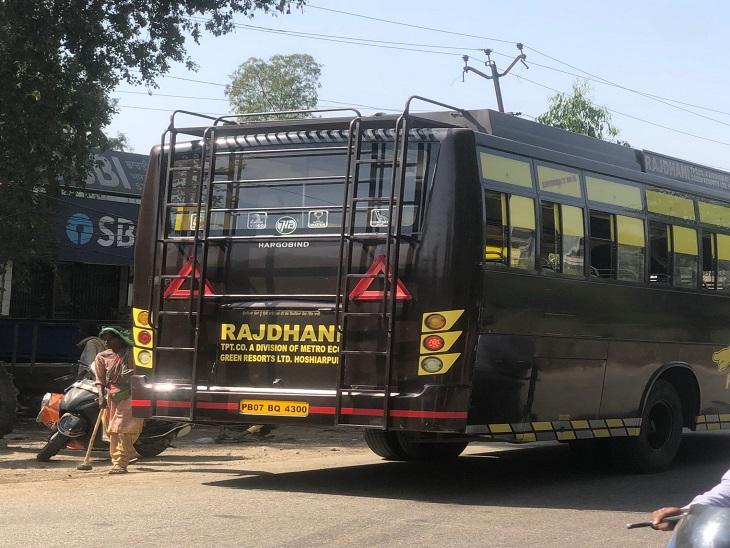 पंजाब के 5 जिलों में टैक्स चोरी कर रही 10 बसें जब्त, 4 के कागजात पूरे न होने पर काटे चालान|अमृतसर,Amritsar - Dainik Bhaskar