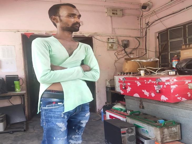 साइकिल पर खुद के बच्चे को बैठाकर बहन के घर जा रहा था युवक, लोगों ने बच्चा चोर समझ कर दी पिटाई|मुजफ्फरपुर,Muzaffarpur - Dainik Bhaskar