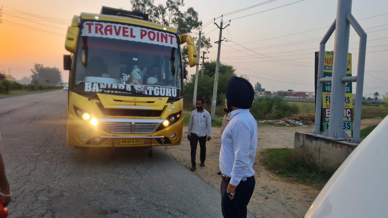 टैक्स माफी की मांग नामंजूर; परिवहन मंत्री के निशाने पर बस ऑपरेटर, अब शिरोमणि अकाली दल की 13 गाड़ियां जब्त|लुधियाना,Ludhiana - Dainik Bhaskar