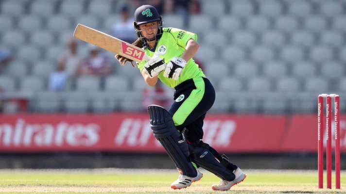 आयरिश खिलाड़ी एमी ने 127 गेंदों पर 121 रन बनाए