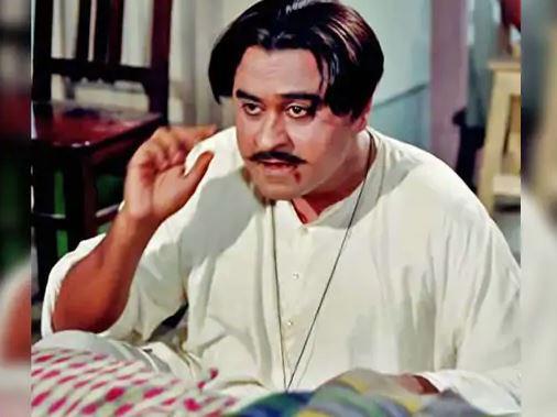 किशोर कुमार का जन्म 4 अगस्त 1929 को मध्यप्रदेश के खंडवा में हुआ। बचपन में उनका नाम आभास कुमार गांगुली था, लेकिन बाद में उन्होंने अपना नाम बदलकर किशोर कुमार रख लिया।