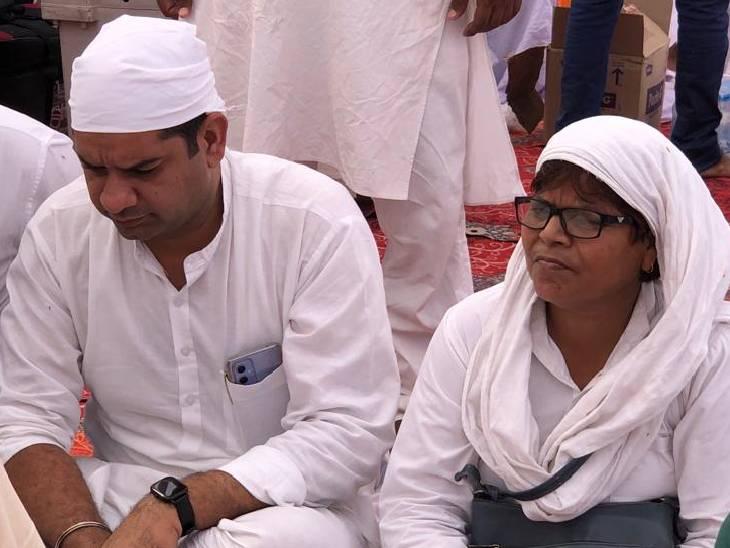 जय किसान आंदोलन संगठन के राष्ट्रीय उपाध्यक्ष दीपक लाम्बा भी कार्यक्रम में मौजूद रहे। वह योगेंद्र यादव के साथ ही सोमवार रात ही लखीमपुर पहुंच गए थे।