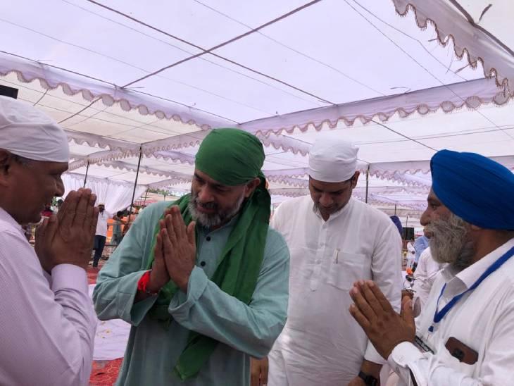 अरदास कार्यक्रम में पहुंचे किसान नेता योगेंद्र यादव।