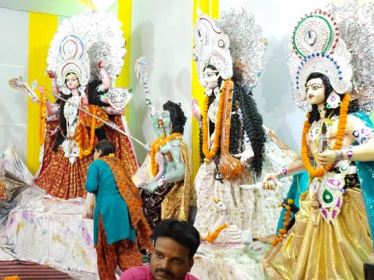 पटना के पाटलिपुत्र में पाटलिपुत्र दुर्गा पूजा समिति की ओर से माता की प्रतिमा स्थापित की गई है। 1980 से यहां मां दुर्गा की प्रतिमा स्थापित की जा रही है। पिछले 40 सालों से हर साल पूजा की जाती है।