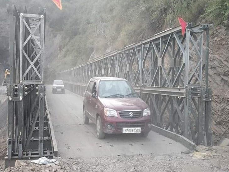महज 5 घंटों के भीतर बैली पुल पर से गुजरे 8 हजार वाहन; अभी ट्रकों, ट्रालों के गुजरने पर रोक, बसें यहीं से चलेंगी शिमला,Shimla - Dainik Bhaskar