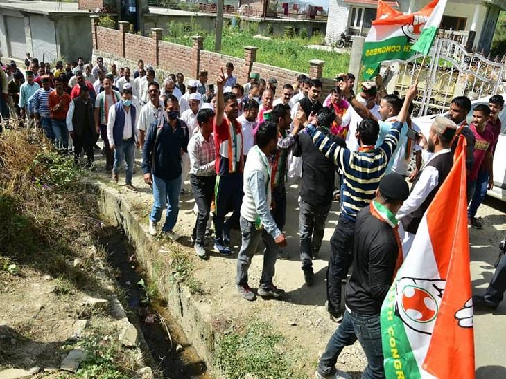 जन सभाओं और रैलियों में नहीं हो रहा प्रोटोकॉल का पालन, मंडी संसदीय क्षेत्र के चुनाव अधिकारी ने उम्मीदवारों को जारी किए निर्देश शिमला,Shimla - Dainik Bhaskar