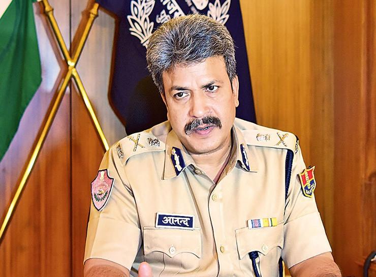 जयपुर पुलिस कमिश्नर आनंद श्रीवास्तव ने देर रात 80 पुलिस इंस्पेक्टरों की तबादला सूची जारी की - Dainik Bhaskar