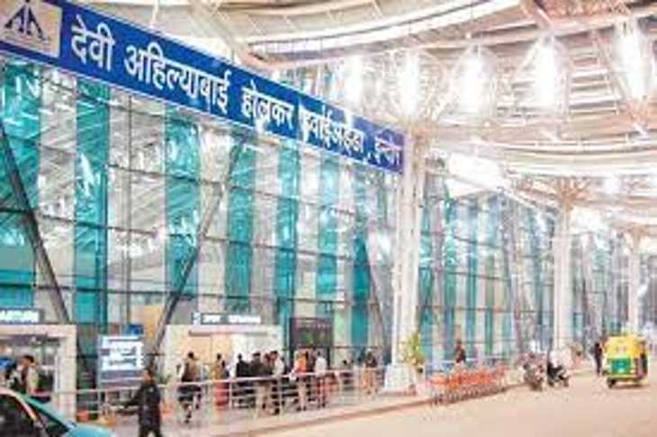 इंदौर एयरपोर्ट पर बुधवार को दुबई जा रही महिला कोरोना संक्रमित मिली।