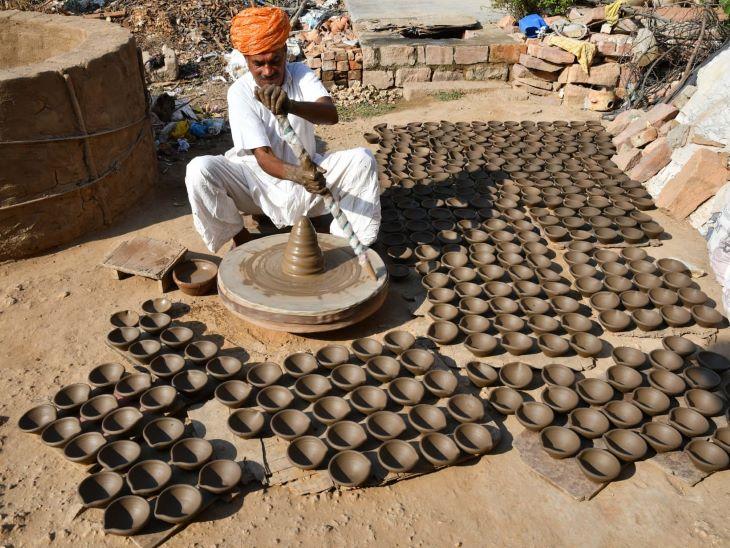 बोले- कोरोना के डेढ़ साल में कुछ भी नहीं कमाया,इस दीपावली दीपक बिकने की उम्मीद जोधपुर,Jodhpur - Dainik Bhaskar