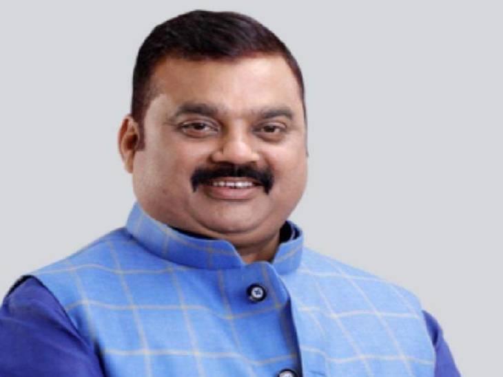 सुल्तानपुर में ब्लॉक प्रमुख मोनू सिंह की बढ़ी मुश्किलें। - Dainik Bhaskar